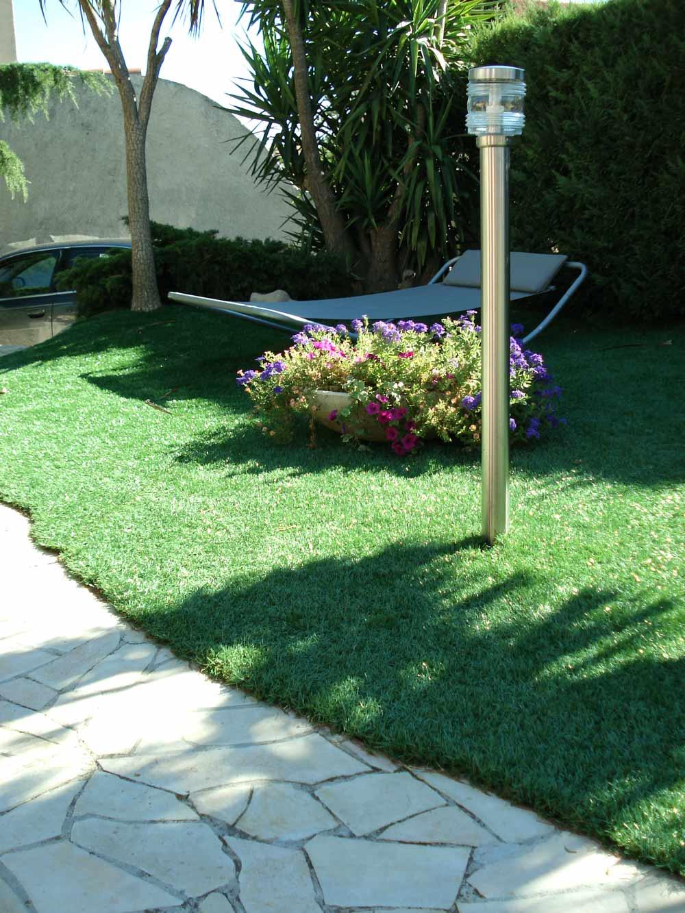 photos 106 de la pelouse artificielle pour piscine nouveau gazon de 2006 sans silice la belle. Black Bedroom Furniture Sets. Home Design Ideas
