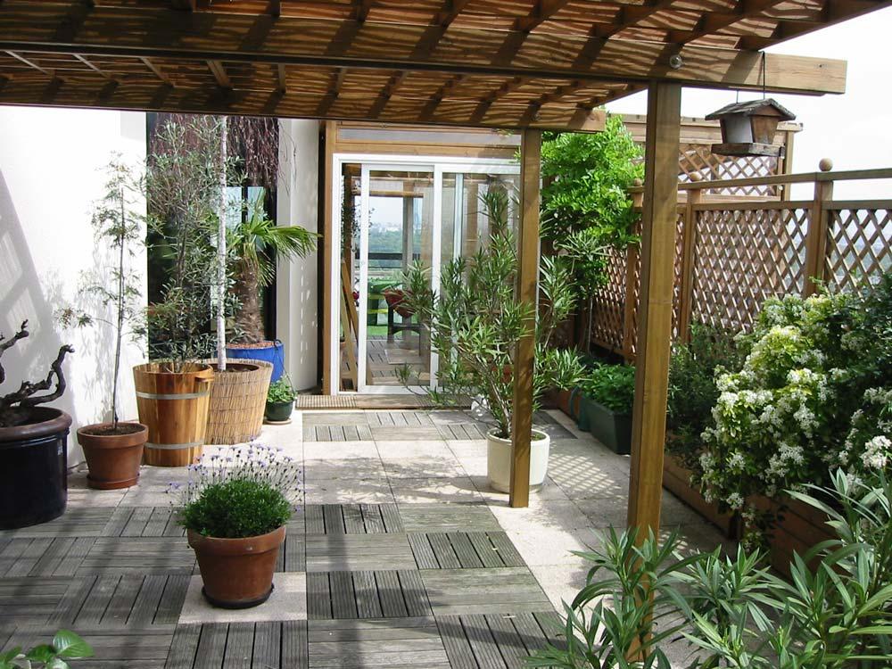 page de la photo de la tonnelle avant pose du gazon city le gazon synthetique de terrasse la. Black Bedroom Furniture Sets. Home Design Ideas